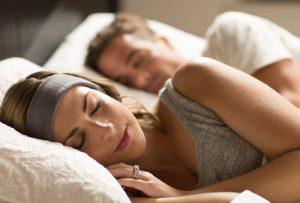 sleepphones-gray-couple-sleeping